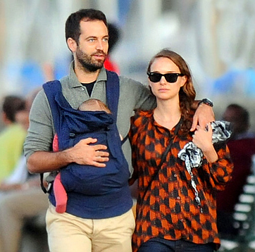 Celebrities That Babywear.. - Page 4 - BabyCenter