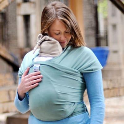 Stretchy wraps for newborns