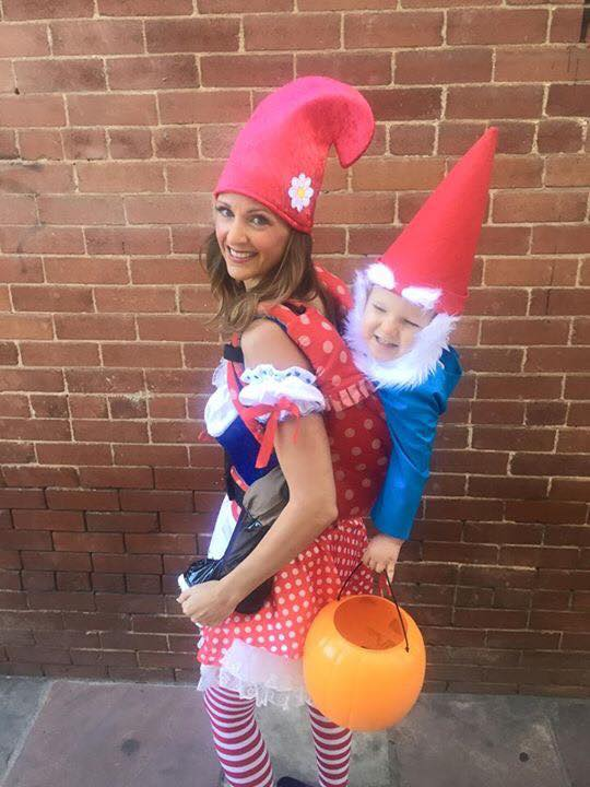 Babywearing Halloween costumes 2016: Gnomes by Rachel Chapman