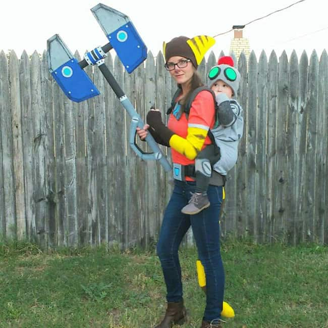Ratchet-and-Clank Babywearing Halloween Costume Roundup 2017